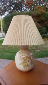 Table Lamp in Good Condition