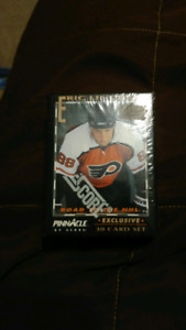 Unopened 1992 Eric Lindros  30 card set