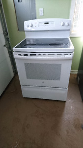 GE Glass top Stove Electric