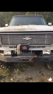 1981 short box Chevy ( lifted )