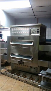 Middel Marshall pizza oven and hood fan
