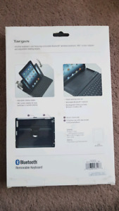 Ipad air Targus case with bluetooth keyboard