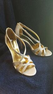 Ladies Shoes - Size 5.5