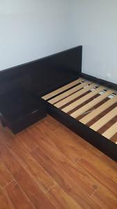 Lit simple MALM Ikea noir