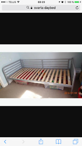 Perfect condition daybed