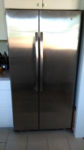 GE fridge side freezer, great condition
