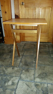 2 solid wood folding tv tables