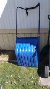 large scoop snow shovel