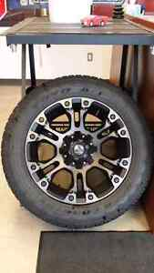 "Fuel Offroad ""Vapor"" & Toyo Open Country A/T2 275/55R20"