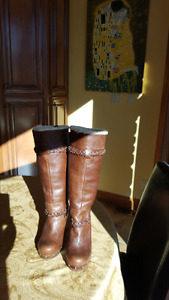 UGG womans lined boots 8.5