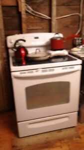 White GE Electric Stove  - Barrie
