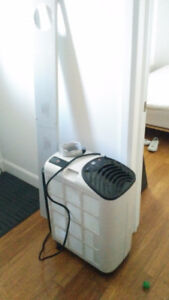 Air climatisé portable 12000BTU Royal Sovereign 100$ ferme