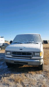 1999 Ford Ecoline E2500 only 164km $2500