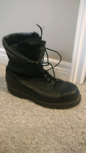 Army boots size 12