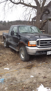 2000 ford f250 pickup truck Part out.