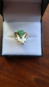 Handmade 14k yellow gold ring very old green sapphire