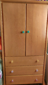 Solid wood closet with 3 drawers