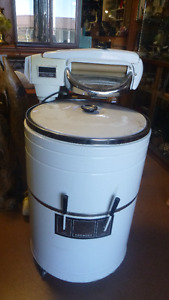 Vintage Kenmore Washer with Ringer