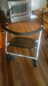 Plus size walker, extra light and in great condition