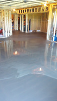 SMOOTH CONCRETE FLOOR SERVICE FOR PERFECT LAMINTE OR TILE