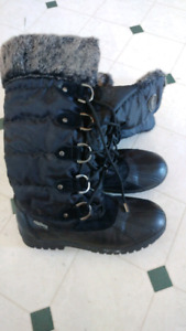 Woman's winter boots size 8