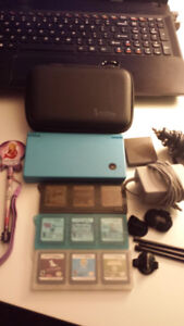 BLUE DSI WITH 9 GAMES AND ACCESSORIES