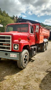 International truck and thomas body for sale