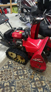 Honda HS724 Snowblower