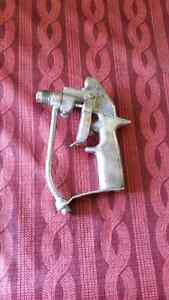 Graco spray gun for industrial and commercial painting
