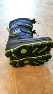 Boys light up boots in EEUC size 8 (fits snug like a 7)
