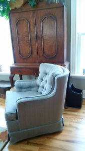 Classic style loveseat and chair Kingston Kingston Area image 4