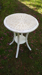 Vintage white wicker table/plant stand.