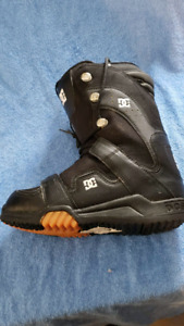 DC snowboard boots size 8