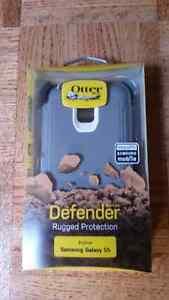 BRAND NEW SAMSUNG S5 DEFENDER OTTER BOX