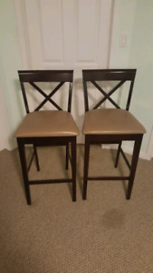2X BAR STOOL CHAIRS NEEDS TO GO!!!