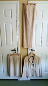 Beautiful Dress Suit combination Jones New York Size 8