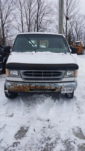 1998 Ford E-250 Minivan, work van with shelves in Port Perry