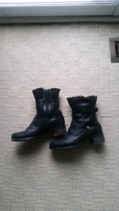 Blondo ankle boots size 7