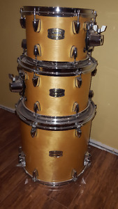 Yamaha Stage Custom Acoustic Drums and Sabian Cymbals