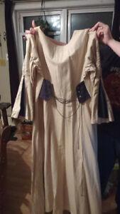 Robe medieval Anne Larochelle