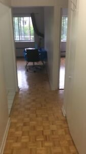 769$ 3 1/2-1 bdr apt in NDG available immediately-lease takeover