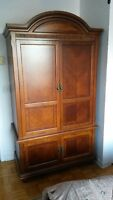 armoire pour TV ou vetements, TV or clothing cabinet
