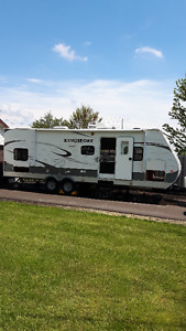 KINGSPORT 30' Travel Trailer