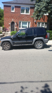 2005 Jeep Liberty SUV, Crossover