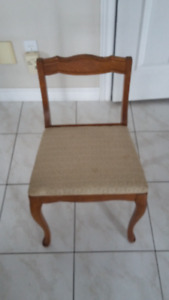 Medium Size Dressing Chair