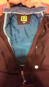 Women's Under Armour Coat Size Small Kitchener / Waterloo Kitchener Area image 2