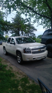 2010 avalanche LTZ absolutely LOADED