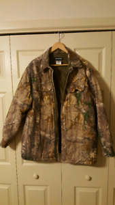 Realtree camo shirt/coat large