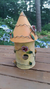 Lovely Decorative Metal Bird House for Indoor or Outdoor Decor