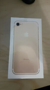 SELLING BRAND NEW IN BOX IPHONE 7 32GB GOLD